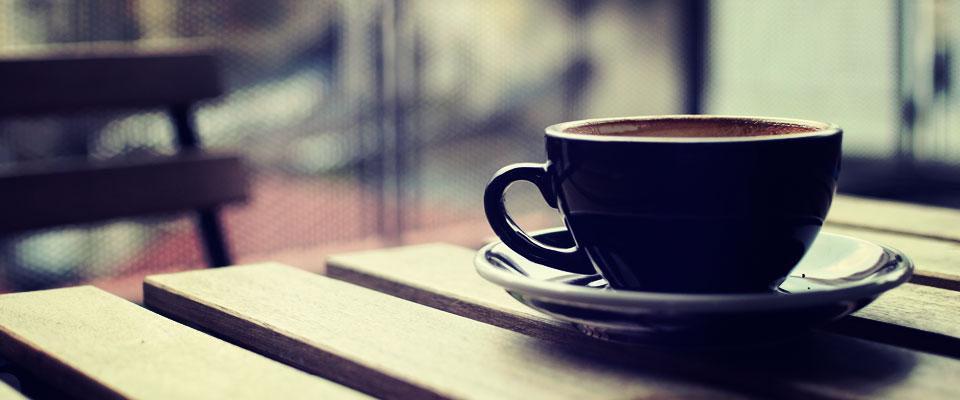 株式会社藍はDINER&BAR Lamp/Terrasecafe Lamp/Coffeegift Lampを運営しています